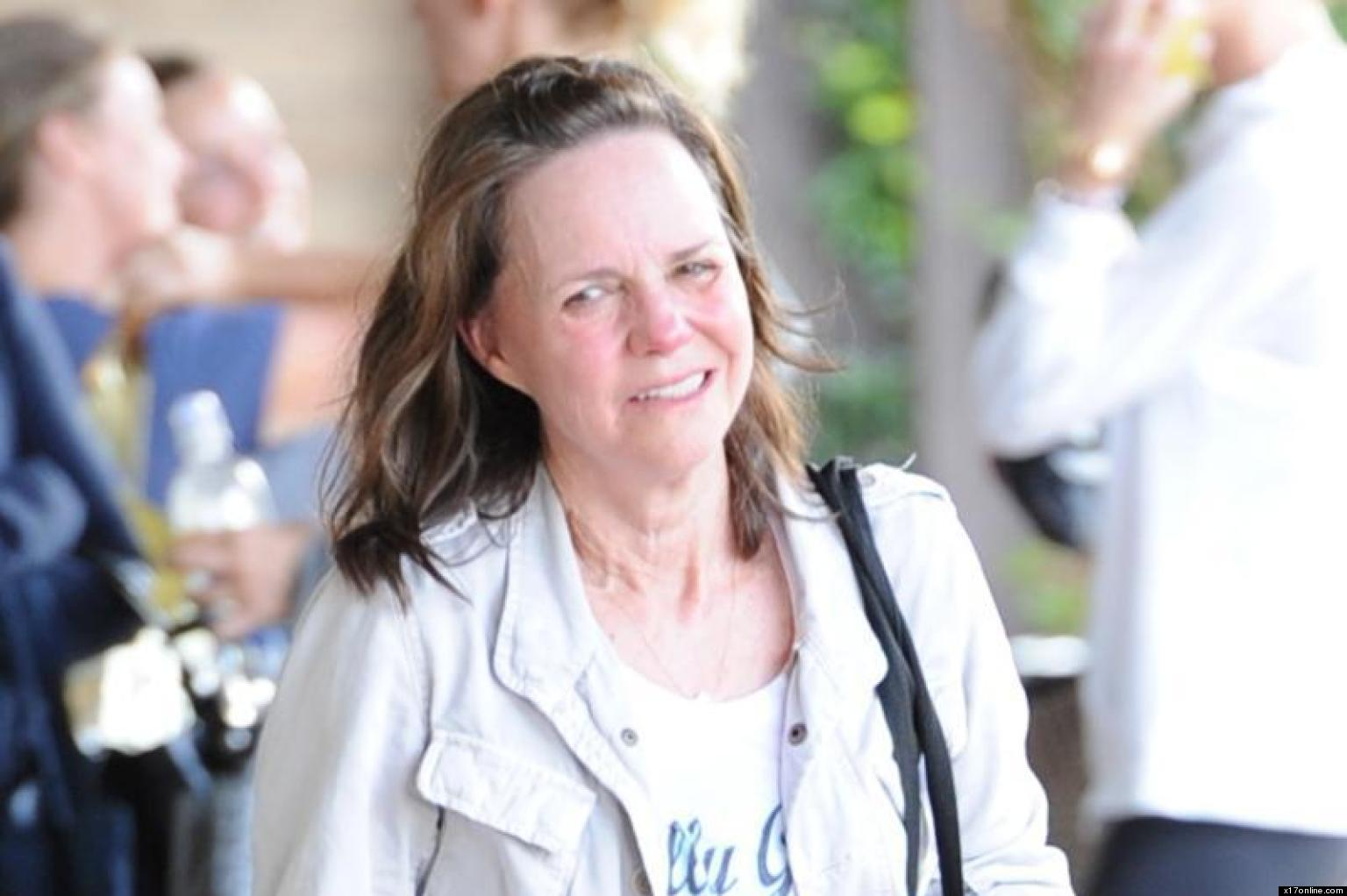 Sally Field Without Makeup Lincoln Actress Gets Sweaty