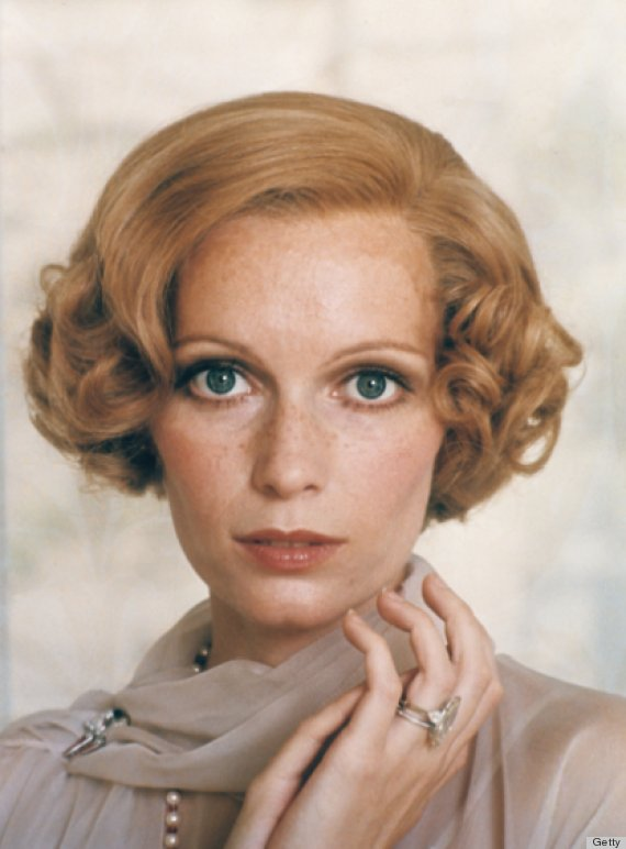"tutorial on how to modernize Mia Farrow's ""Great Gatsby"" hairstyle"