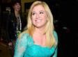 Kelly Clarkson Defends Pink After Fans Freak Out Over Canceled Concert