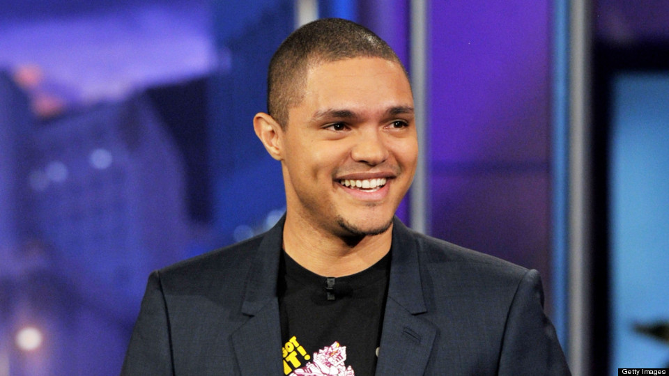 The 33-year old son of father Robert Noah and mother Patricia Noah, 180 cm tall Trevor Noah in 2017 photo