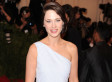 Zooey Deschanel No Bangs: 'New Girl' Star Unrecognizable At Met Gala (VIDEO, PHOTOS)