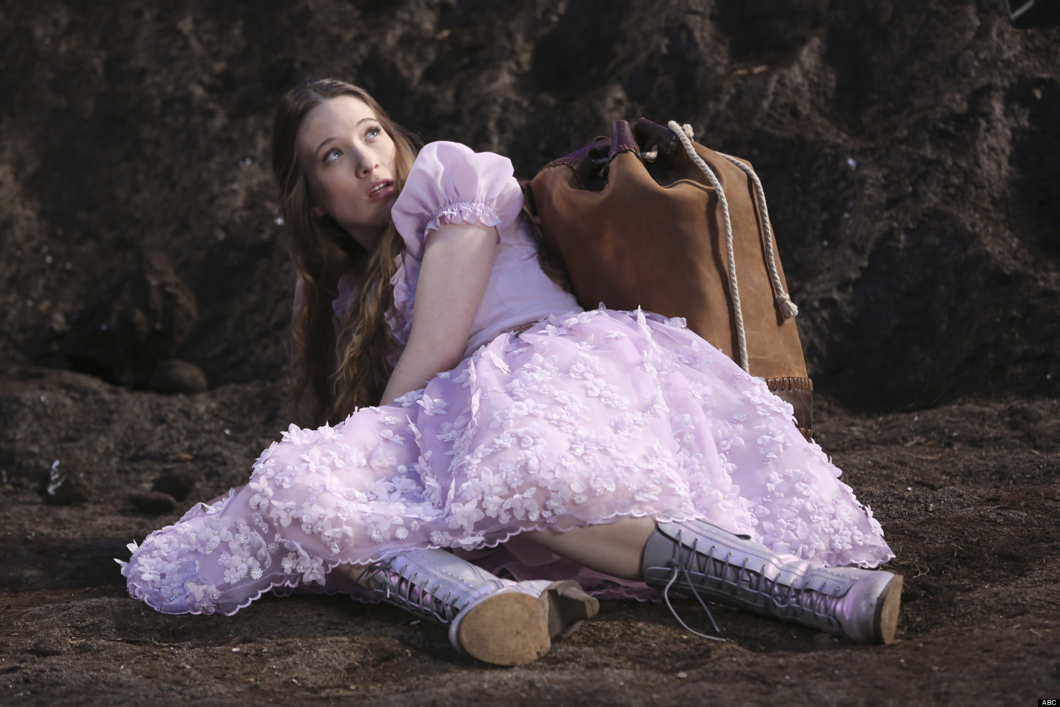 once upon a time in wonderland spinoff picked up by abc