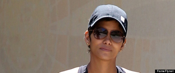 It's official: Halle Berry's baby bump finally makes its big debut (LOOK)