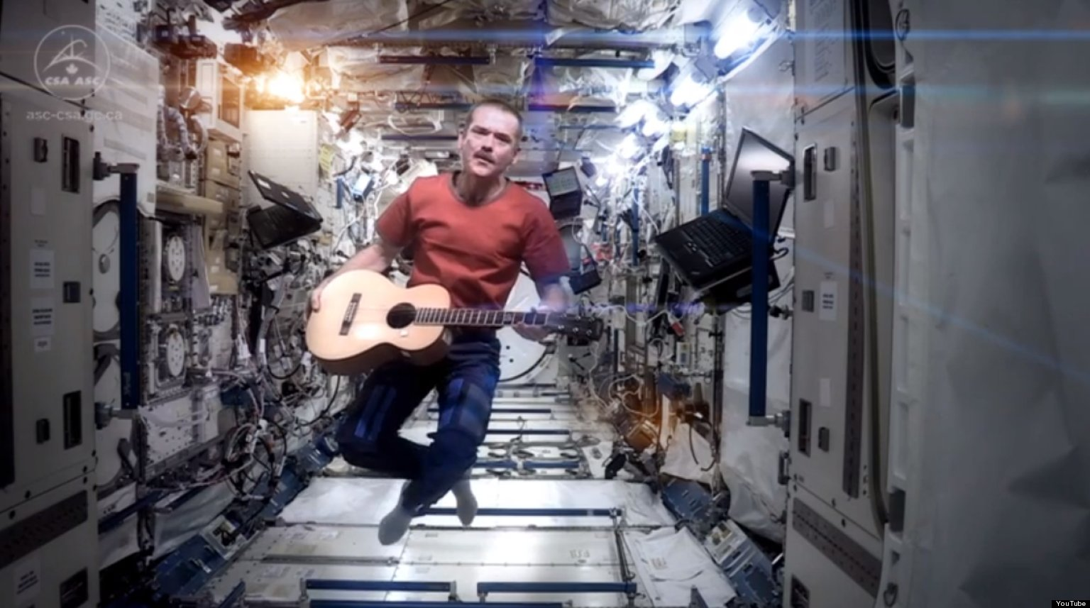 astronaut sings space oddity - photo #3