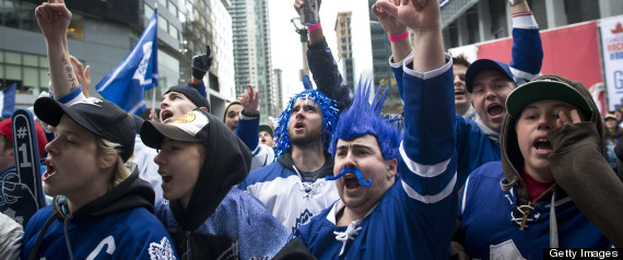 TORONTO MAPLE LEAFS FANS