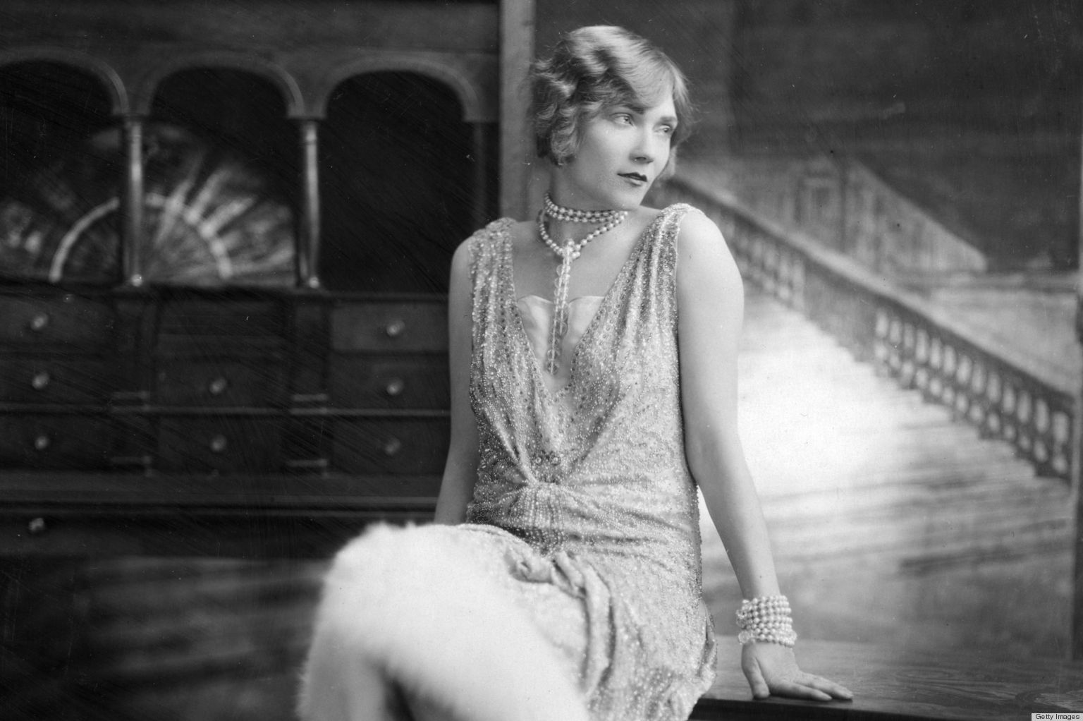 Flapper Hair Style: 1920s Fashion: How To Add A Little Flapper Style To Your