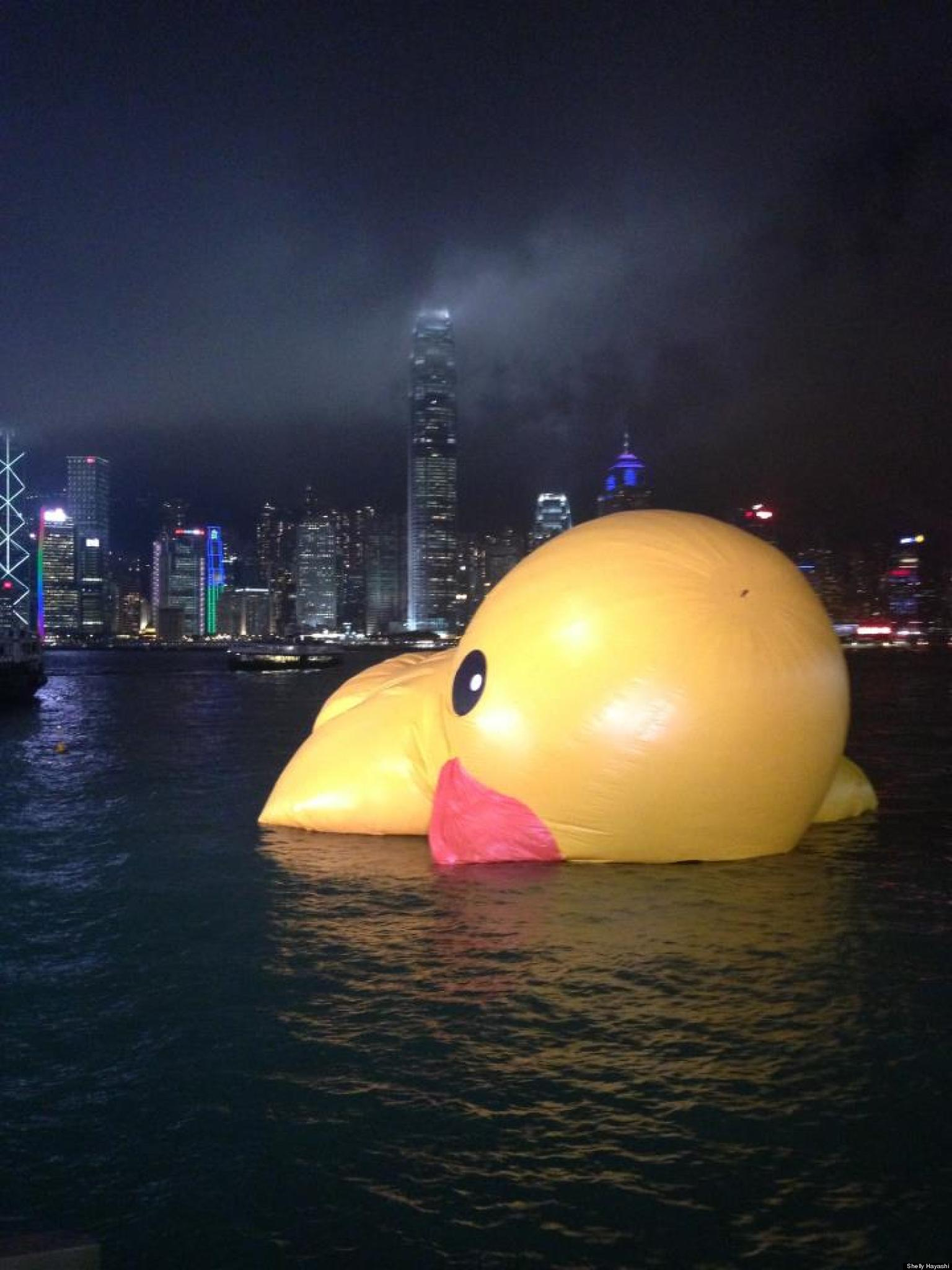 Giant Rubber Duck Drowns In Hong Kong Harbour In Soggy