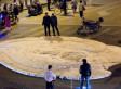 Smelly Foam Oozing From Chinese Street Leaves Commuters Baffled (PHOTO)