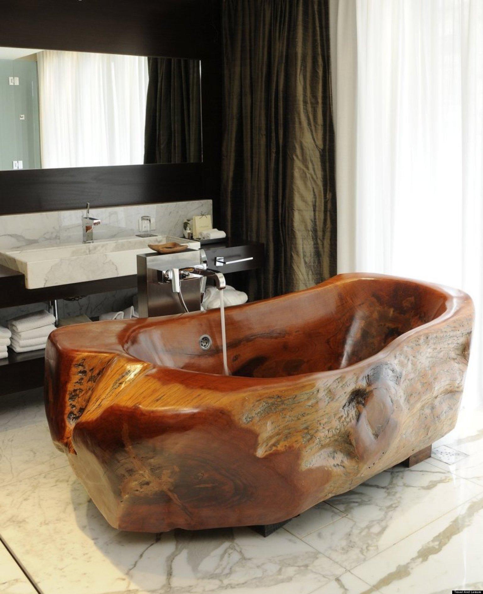 World's Coolest Hotel Bathtubs (PHOTOS)
