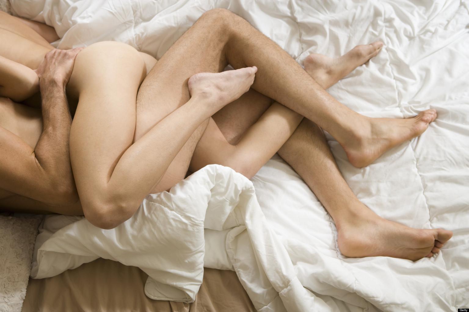Равноценный сексуальный обмен в постели 16 фотография