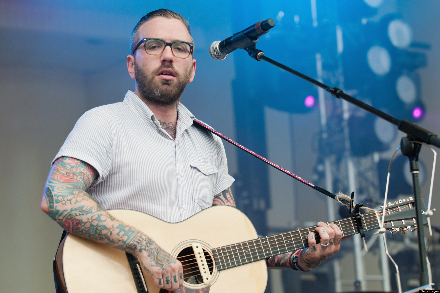 city and colour 39 the hurry and the harm 39 dallas green is at peace after alexisonfire. Black Bedroom Furniture Sets. Home Design Ideas