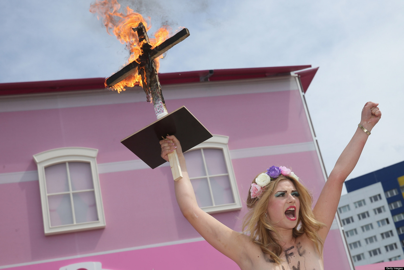 Topless femen protesters disrupt barbie dreamhouse experience opening in berlin photos huffpost