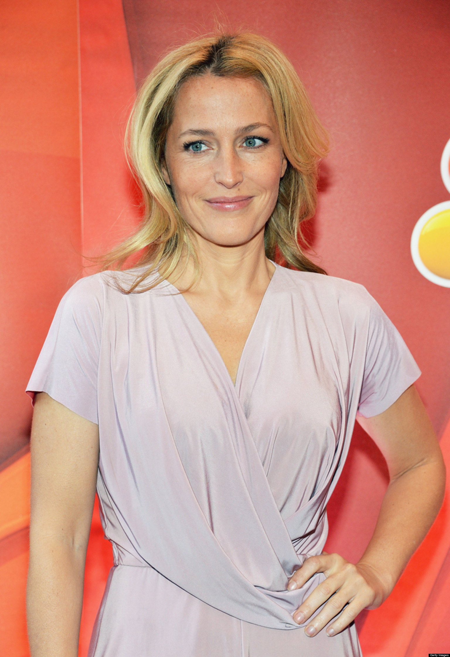 Gillian Anderson AMA: Actress Discusses 'X-Files ...