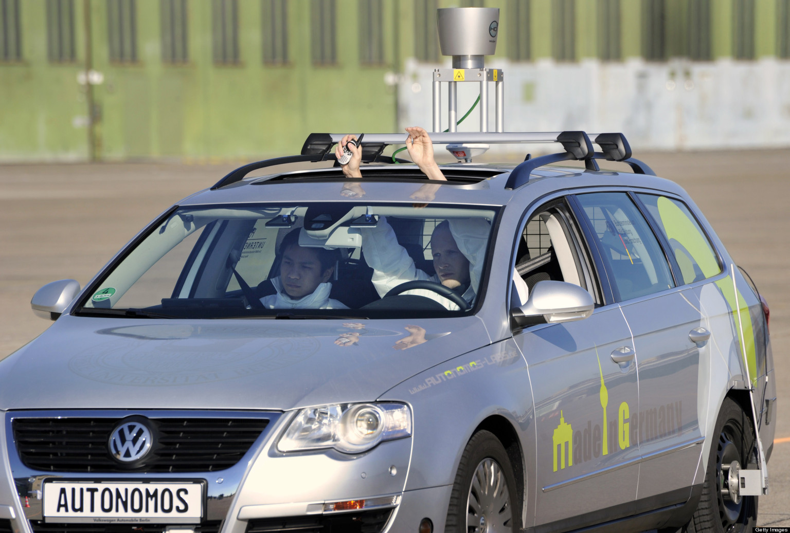 Driverless Cars Could Be Hacked By '14-Year-Old From Indonesia,' Senator Warns