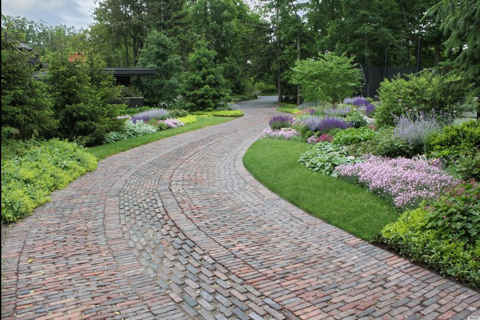 Driveway Landscaping Of 6 Driveway Looks Take Landscapes Along For The Ride