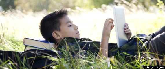 KIDS ON SCREEN READING