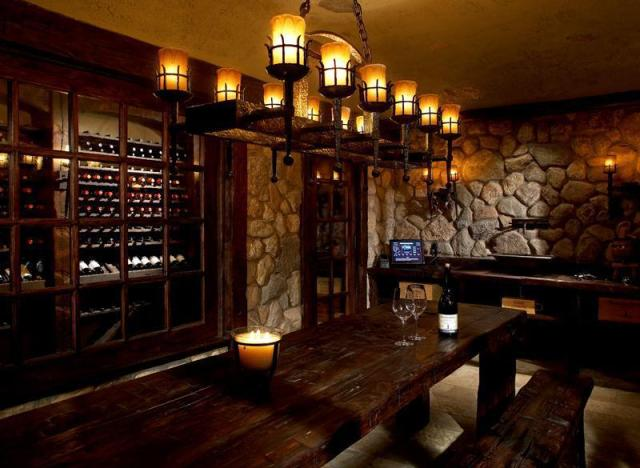 10 Stunning Home Bars That Are Always Ready For Guests
