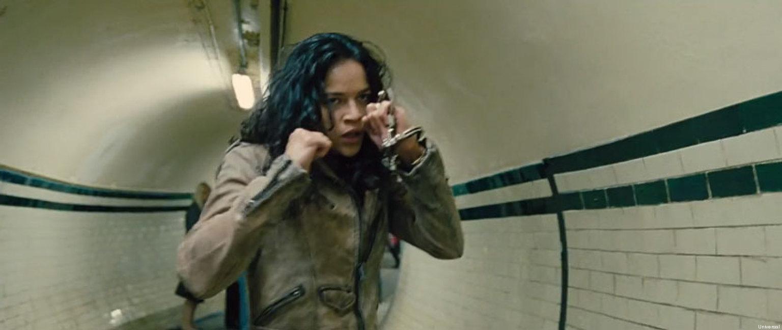 en y de Gina pelea escena Carano:  Rodriguez Michelle