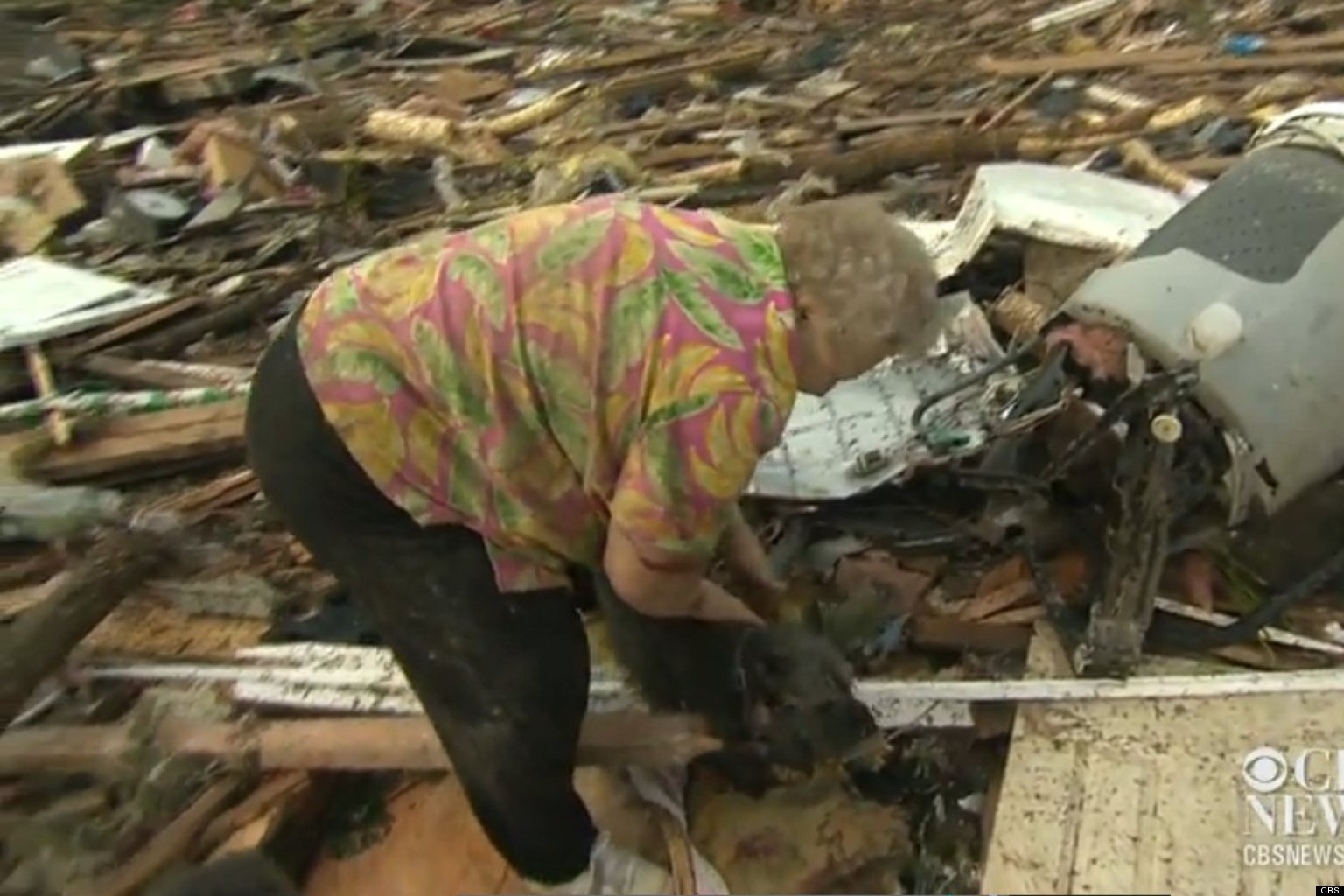WATCH: Tornado Victim Finds Dog During CBS Interview