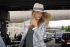 Super Hot Style: Rosie Huntington-Whiteley Goes Casual...