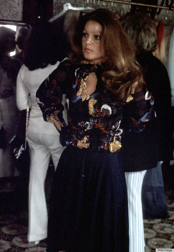 Priscilla Presley S Style The Fashion Lessons We Can Learn From