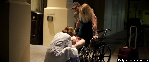 FLORIDA MOM BIRTH ON SIDEWALK OUTSIDE HOSPITAL
