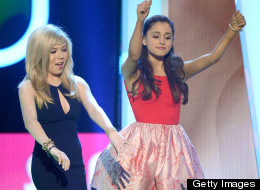 Ariana And Jennette's Rap Battle! (VIDEO)