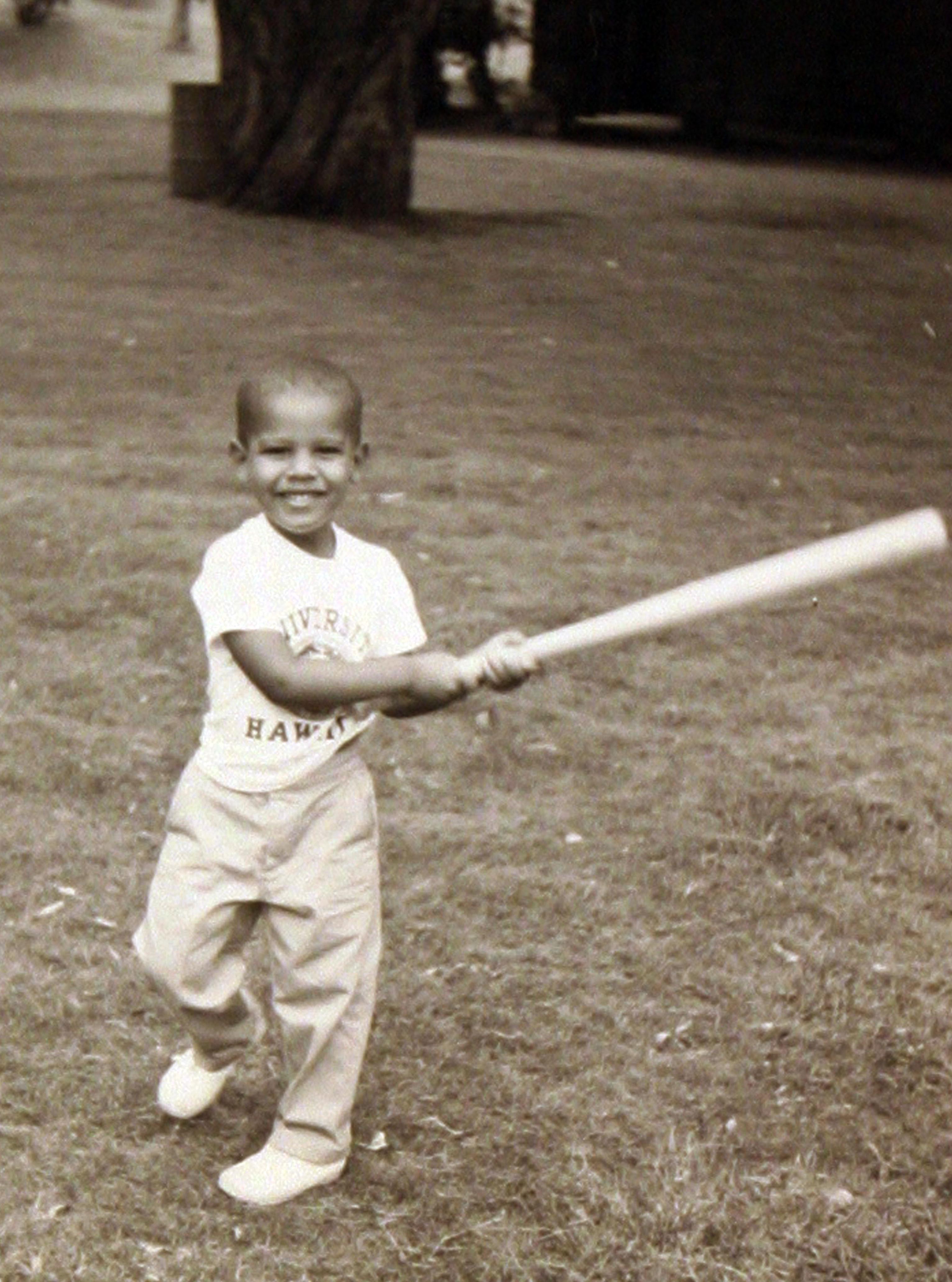obama baseball photo