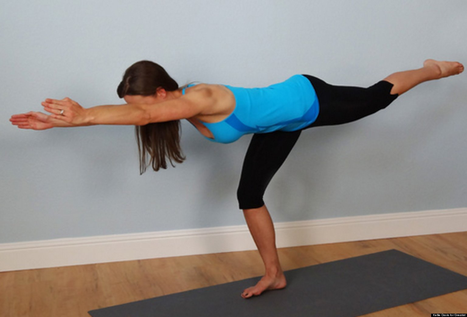The 30-Minute Glute-Building Bodyweight Workout ...