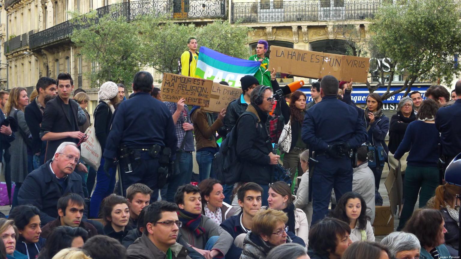 rencontre gay montpellier à Courbevoie