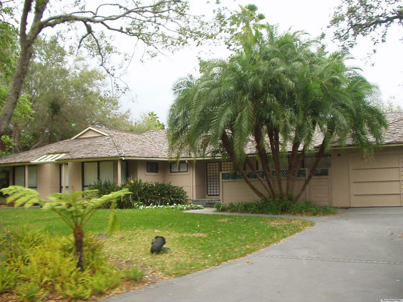The Real Story Behind 'The Golden Girls' House (PHOTOS ...