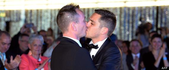 mariage gay de montpellier deux mois avec sursis pour des insultes homophobes lors du premier. Black Bedroom Furniture Sets. Home Design Ideas