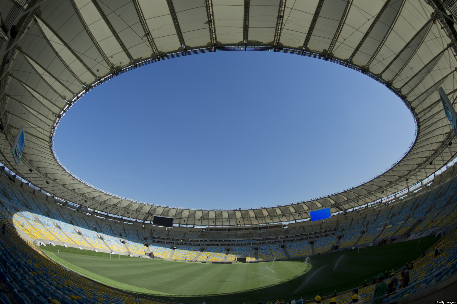 Brazil england friendly descends into farce over maracana for Farcical failure