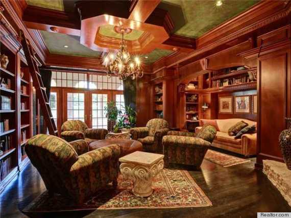 Strange A Gorgeous Home Library Would Turn Anyone Into A Bookworm Photos Largest Home Design Picture Inspirations Pitcheantrous