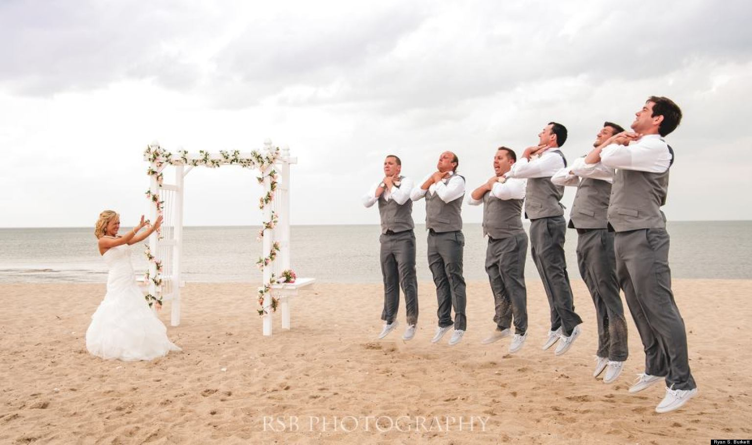 'Star Wars' Wedding Photo: Bride Shows Off Her Sith Powers ... Vadering