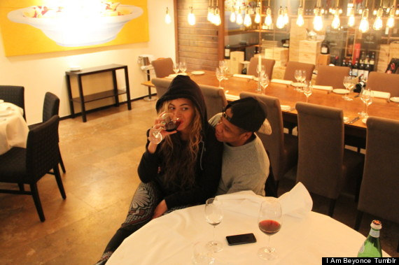 Beyonce Pregnant: Singer Shoots Down Rumours By Flashing Abs At Kanye ...