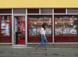 Fake Shops Hide Northern Ireland's Struggling Economy Ahead Of G8 Summit (PHOTOS)