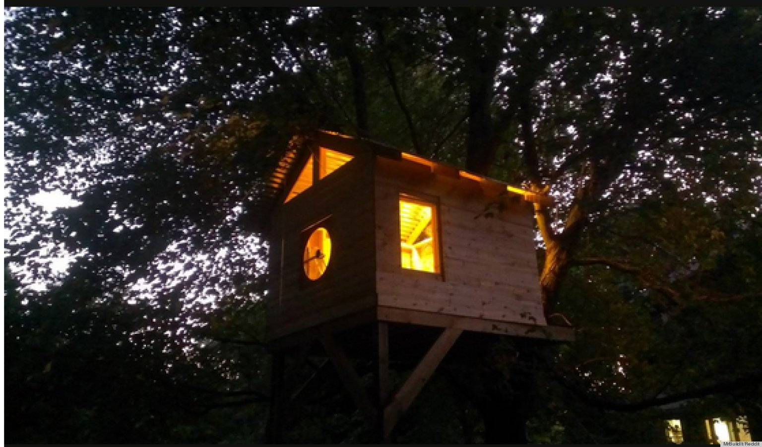 Brilliant Family Builds Amazing Treehouse For Less Than 300 Photos The Largest Home Design Picture Inspirations Pitcheantrous