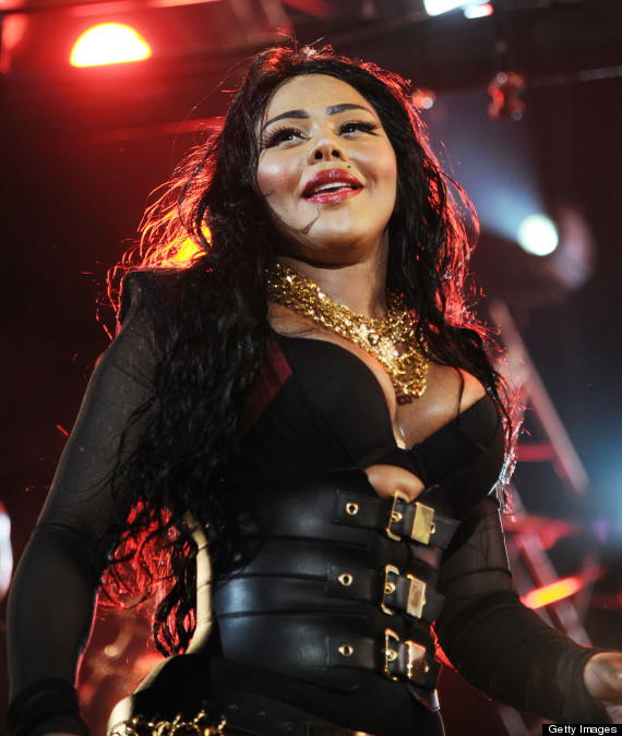 Lil Kim Shows Off Different Look At Hot 97 Concert