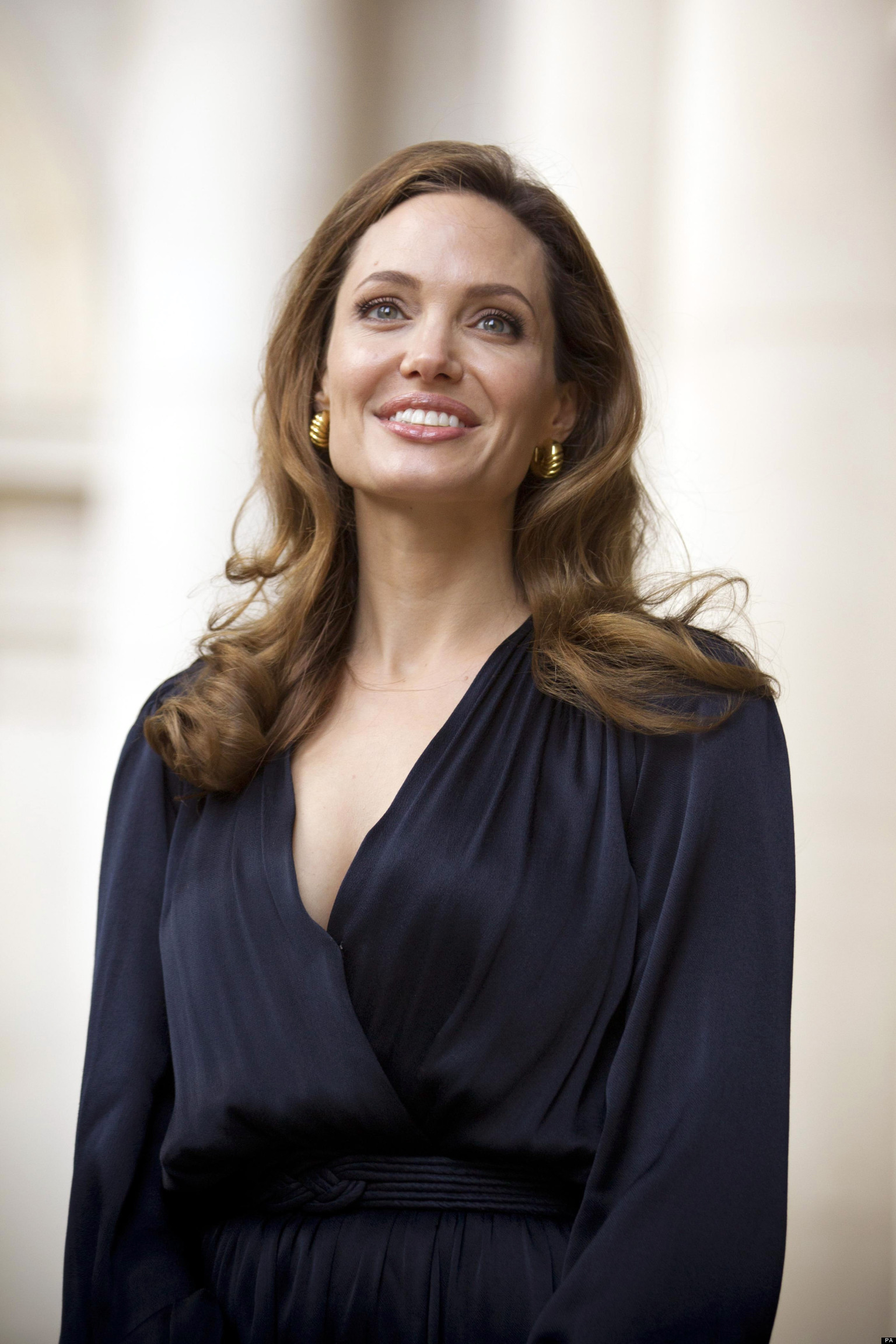 PICTURES: Six Reasons Angelina Jolie Stopped Being Unpopular...