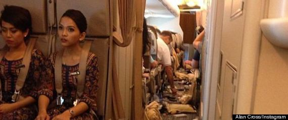 singapore airlines turbulence