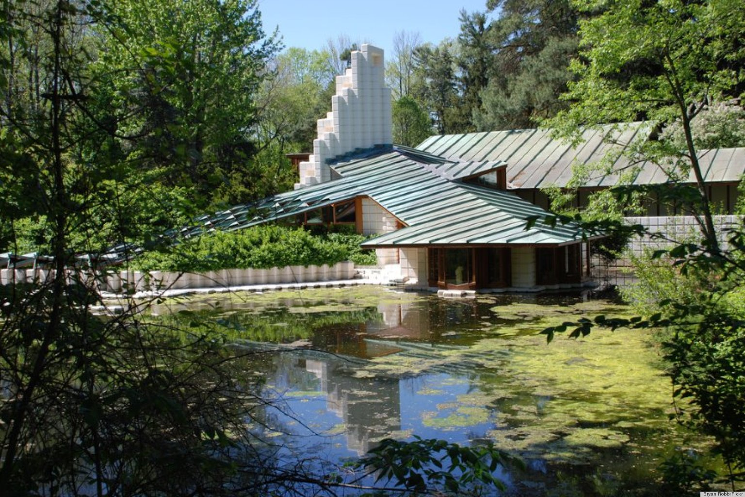 Frank lloyd wright alden b dow and 13 other famous for Famous home designs