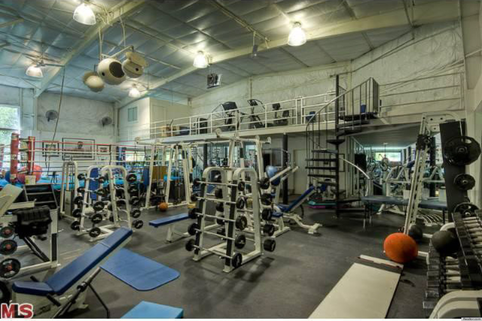 Mark wahlberg 39 s house has the most unbelievable home gym of course photos huffpost - Images of home gyms ...