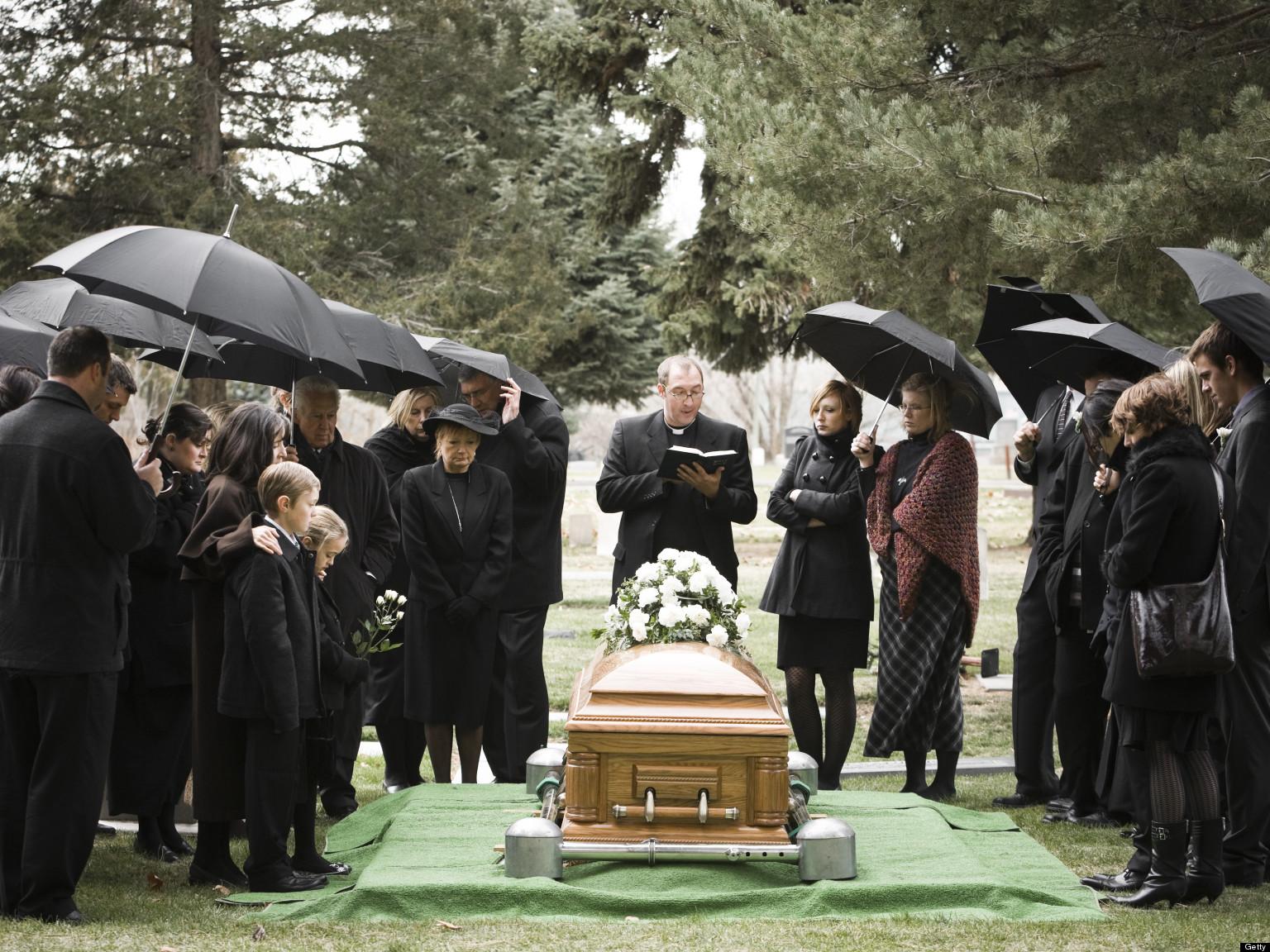 La mort : Pour en chasser la peur, il faut en parler... - Page 5 O-FUNERALS-facebook