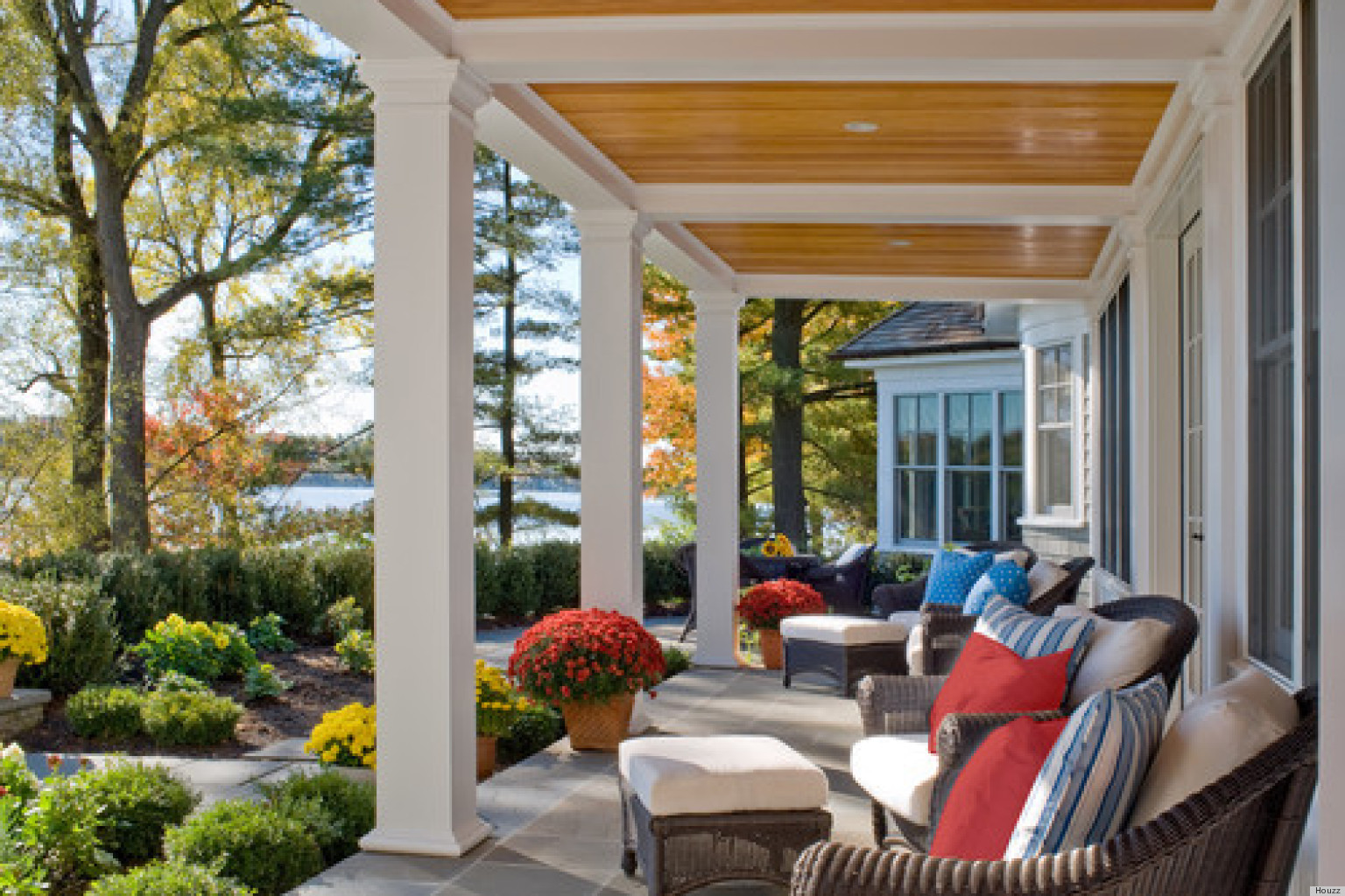 11 Pretty Porches That Will Have You Feeling Relaxed In No ... on Pretty Patio Ideas id=75284