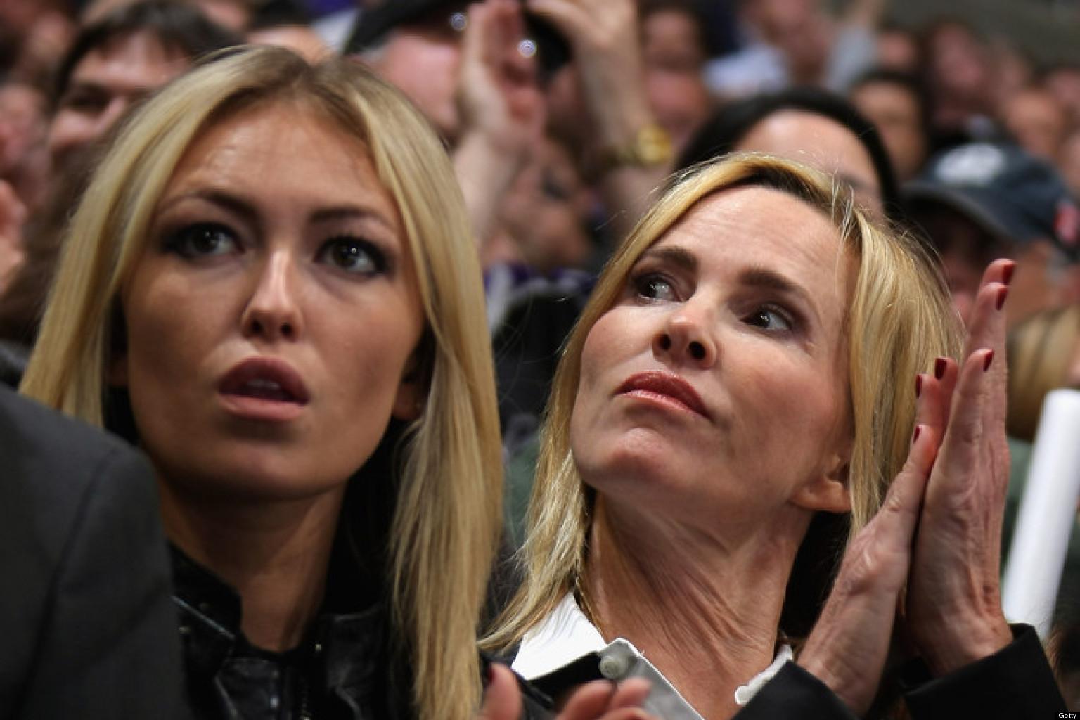 Paulina Gretzky Gets Her Bikini Ready Looks From Mom Janet