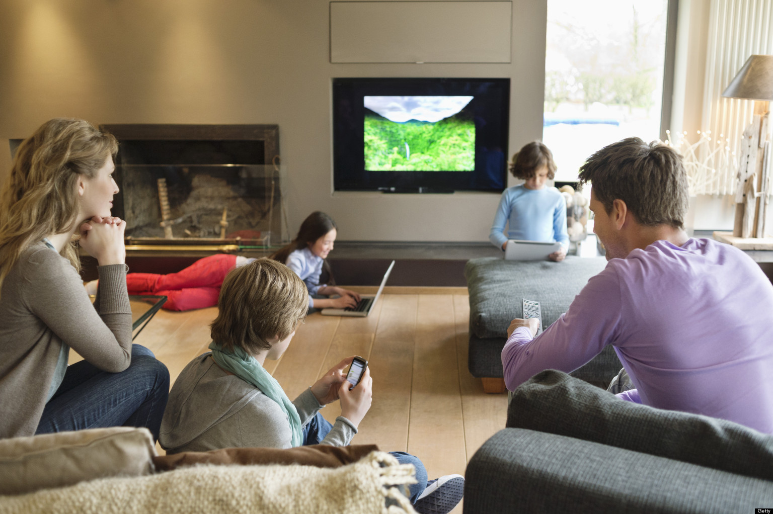 Multi screen viewing canadians increasingly using second for The living room channel 10 audience