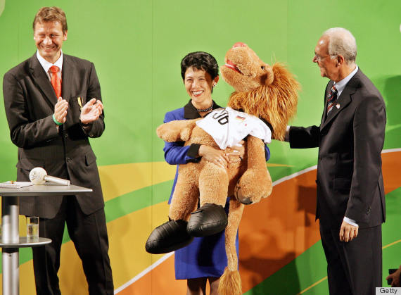 royals with mascots