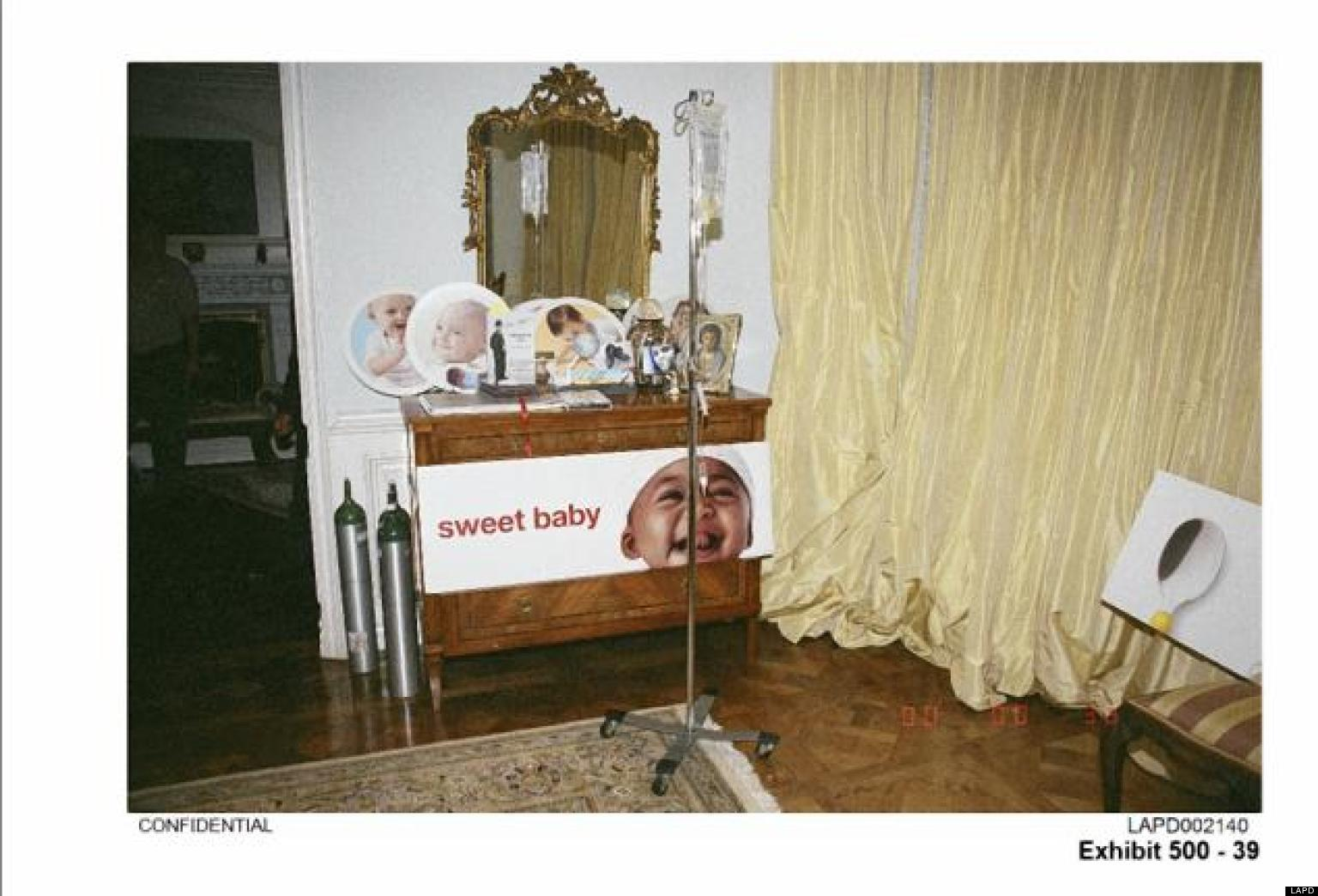 Michael Jackson: LAPD Release Images Of Singer's Bedroom