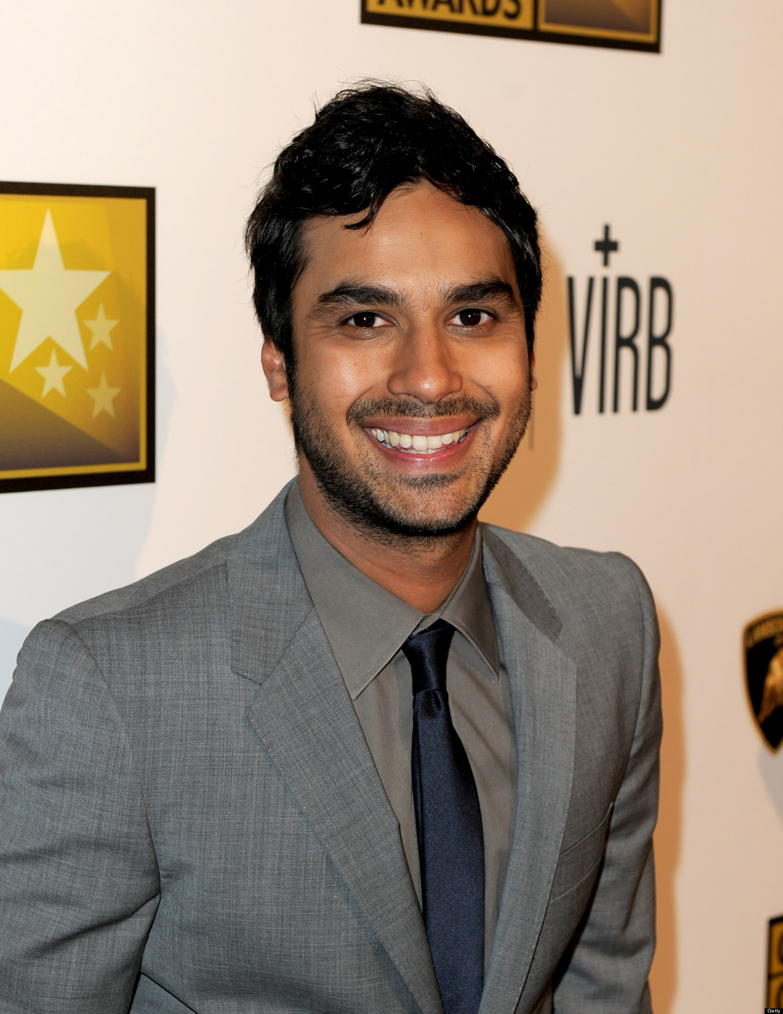 Kunal Nayyar earned a  million dollar salary, leaving the net worth at 5 million in 2017